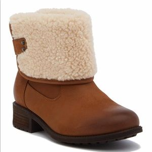 UGG Aldon water resistant chestnut Shearling Boots